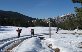 Photo: Delante nuestro al fondo, la conocida Cresta de Peguera