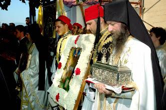 Photo: Игумен Теодосий с реликвария с мощите на свети Киприан и Иустина.