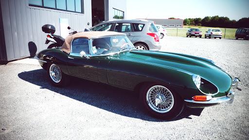 jaguar type e véhicule ancien restauré