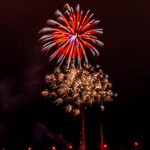 1587.jpg Elk Firework Dec-14-1587.jpg