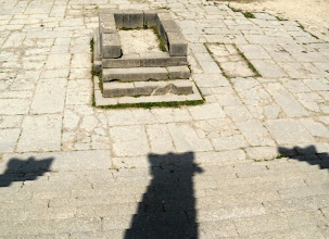 Photo: Volubilis - Altar in front of the Capitol ........... Altaar voor het Capitool