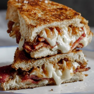 Crispy Bacon & Brie Grilled Cheese Sandwich with Caramelised Onions Recipe