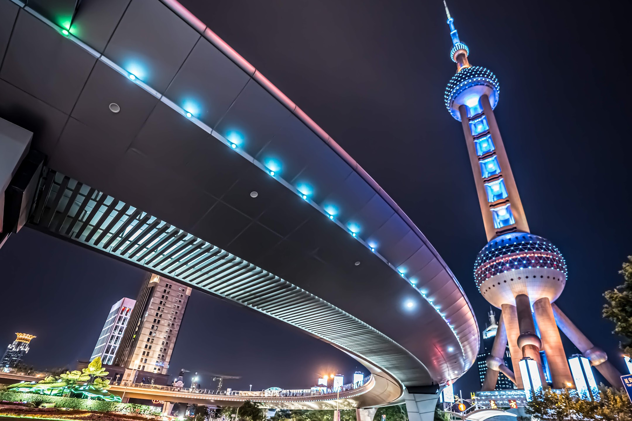 Shanghai Oriental Pearl Tower light-up3