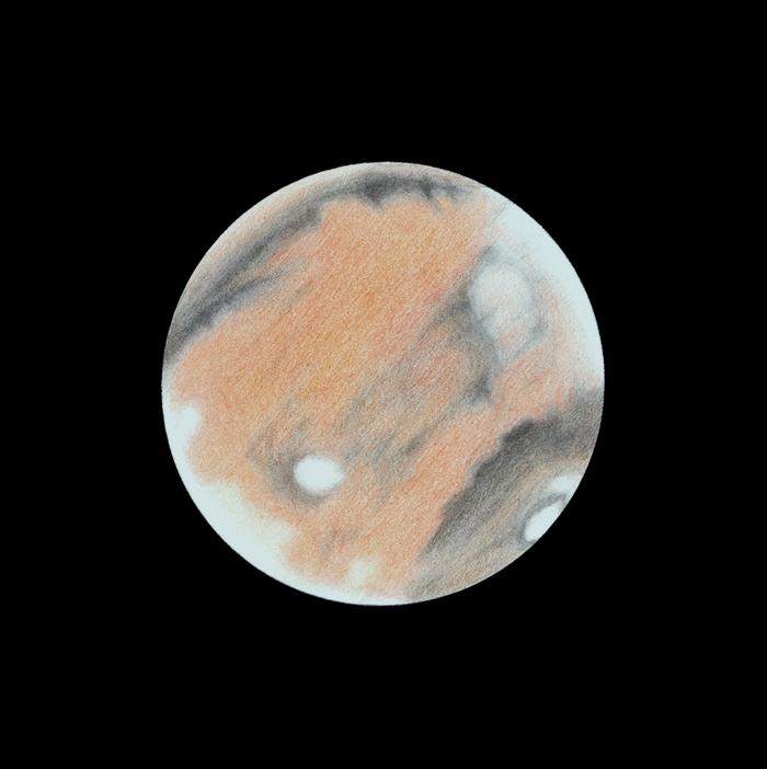 Photo: Le 8 mars à 21h50TU. T406 à 470X en bino. Les 3 volcans alignés sont sur le limbe couchant, nimbés de brumes. Olympus Mons, lui aussi caché par la brume sommitale, est très visible sous la forme d'une tache blanche qui contraste fortement sur le rose du désert qui l'environne. A l'opposé, Elysium sort de la brume matinale.