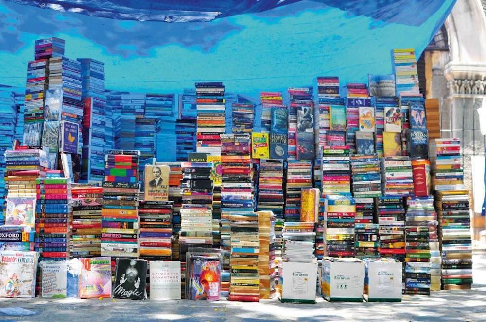 Nai_Sarak_Book_Market_image
