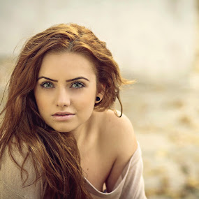 IMAGE by Daniel Kitu - People Portraits of Women ( autumn, visage, feminine, beauty, portrait )