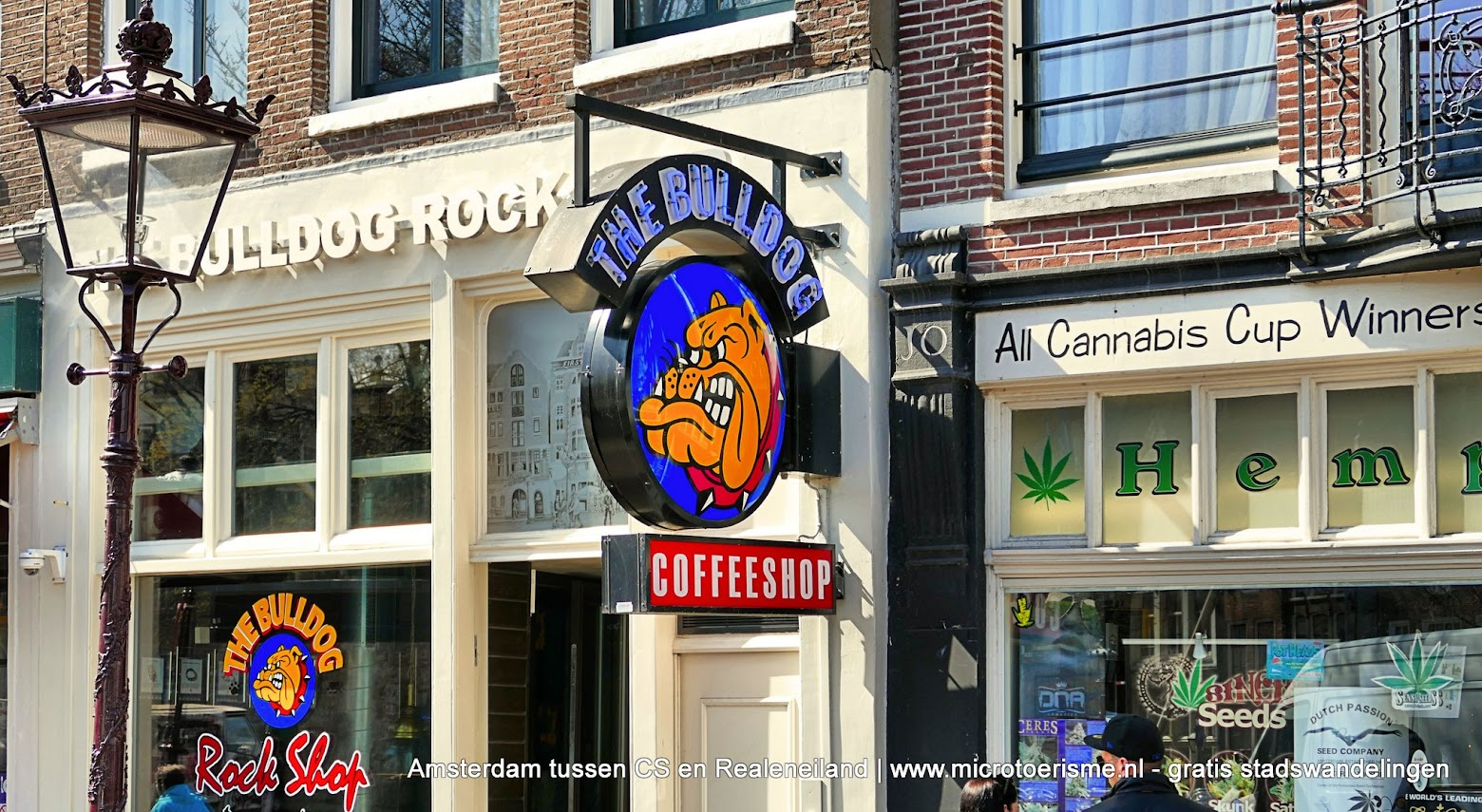 Aangeboden door: Stichting Microtoerisme InZicht Fotoblog Amsterdam coffeeshop Bulldog