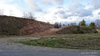 Photo: het bouwverkeer kan nu via de nieuwe oprit