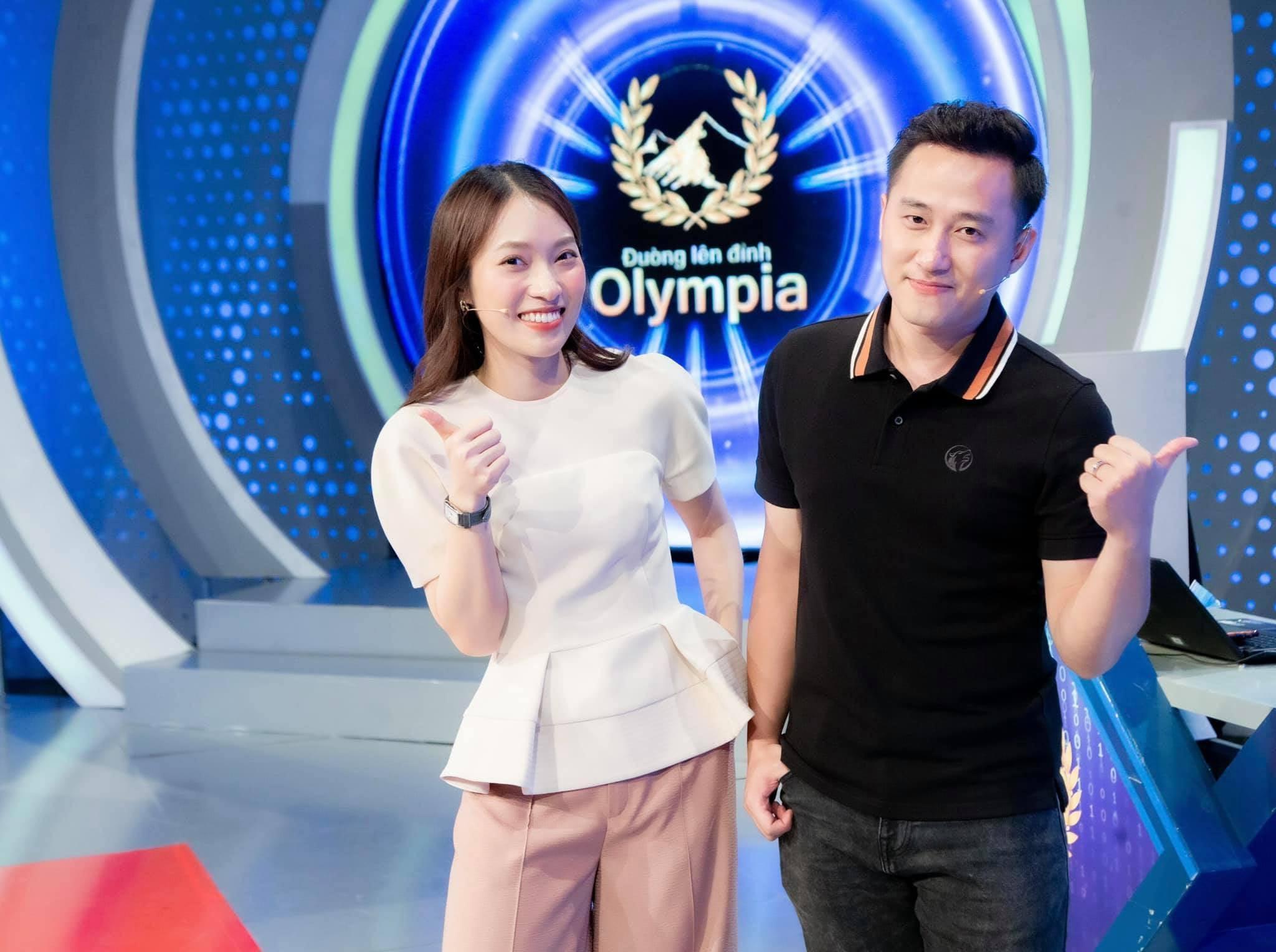 Profile siêu khủng Khánh Vy – MC chính thức của Đường Lên Đỉnh Olympia mùa thứ 22