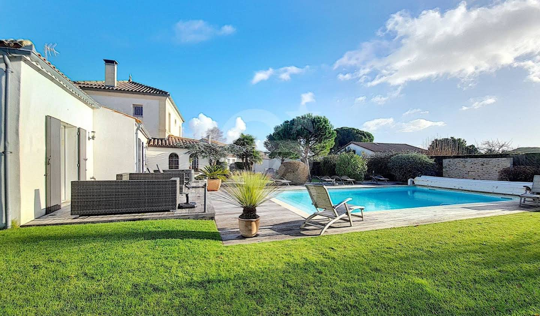 Villa avec piscine et terrasse Saint-Palais-sur-Mer