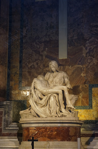 Michelangelo's Pietà (1499)