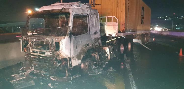 KYK | Noordwes slaan vragmotors aan nadat hulle aan die mes gesny het - SowetanLIVE