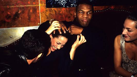 Maniak Seks Mike Tyson Pernah Buat Satu Keluarga Mendadak Kaya - VIVA