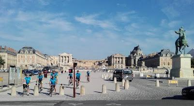Photo: Arrivée devant le château de Versailles