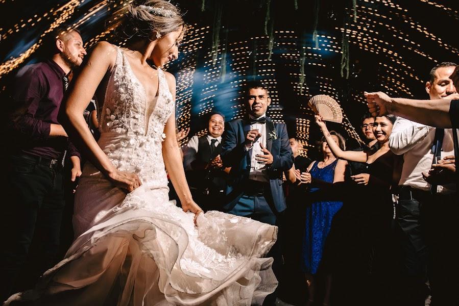 Wedding photographer Valery Garnica (focusmilebodas2). Photo of 01.03.2020