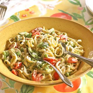 Creamy Broccoli, Tomato & Cheddar Linguine