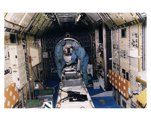 Spacelab module in the Space Shuttle Orbiter Columbia's payload bay for the STS-94 mission in Orbiter Processing Facility 1.