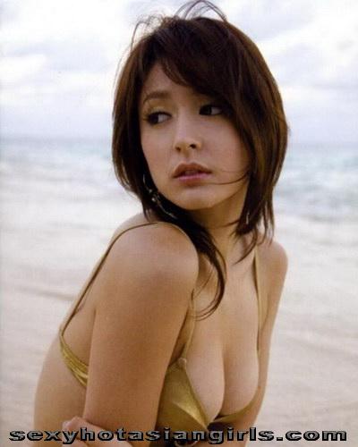 Hot Babe Leah Dizon 16