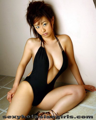 Bikini Girl Hitomi Kitamura 8