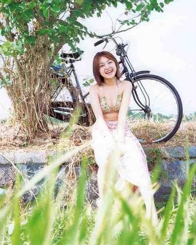 Yumi Adachi 20
