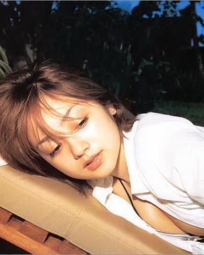 Yumi Adachi 5