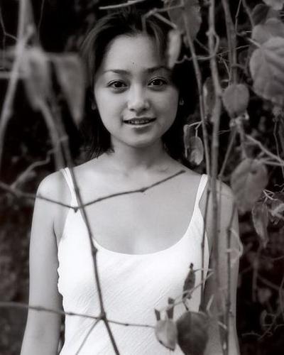 Yumi Adachi 19