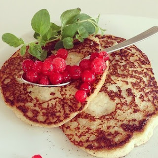 Small Potato Pancakes With Lingonberries / Potatisplättar Med Rårörda Lingon