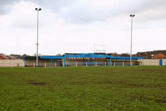 Photo: 12/02/05 - Ground photo showing covered enclosure at ALR FC (NWCL) - contributed by Pat Brunning