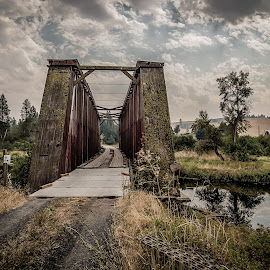 A covered bridge in The Palouse by GThomas Muir - Buildings & Architecture Bridges & Suspended Structures ( hdr, bridges, landscapes, colfax, historic, the palouse )
