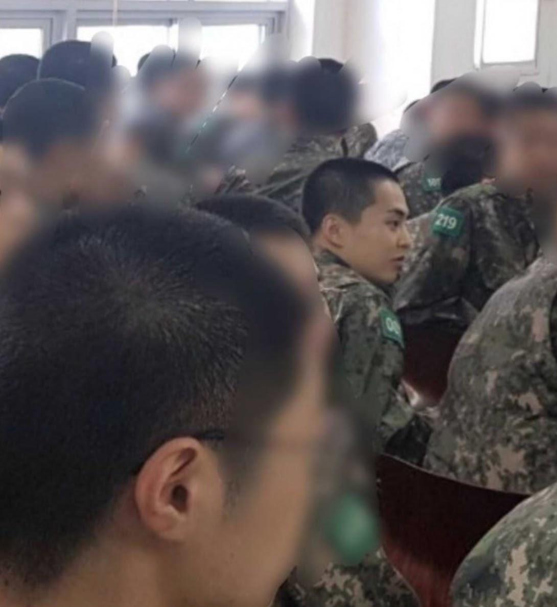 xiumin army 4