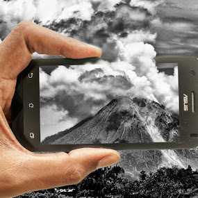 Sinabung on my android by Tigor Lubis - Digital Art Places ( #mountain, #sinabung, #sumatra, #bw, #landscaps, #indonesia, #mount&hills, #android )