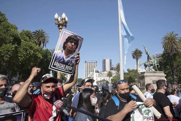 🎥 Complete chaos in Buenos Aires: duizenden en duizenden op straat, confrontatie met politie, wake opgeschort