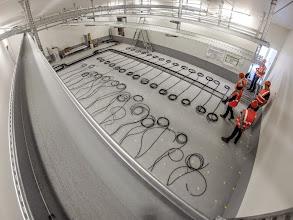 Photo: Arrivée du courant fort et chemins de câbles. (Visite du 15 sept. 2014)