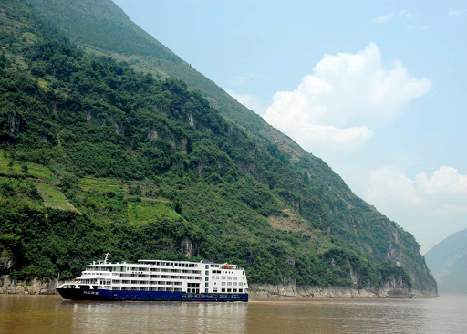 Soak up Chinese culture and beautiful landscapes on your sailing through China on Sanctuary Yangzi Explorer.