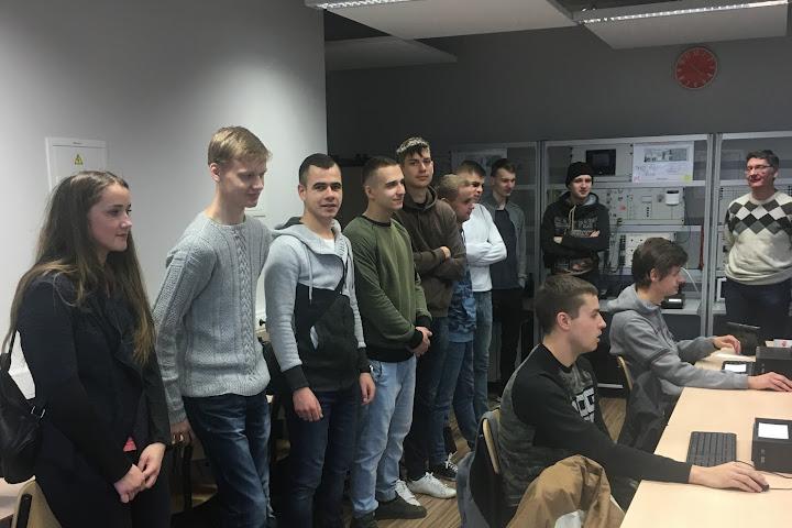 epmc_sveciai-is-jonavos-politechnikos-mokyklos