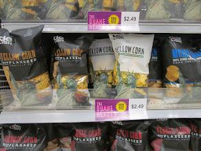 Photo: Me encanta que la línea deLISH ha incorporado alimentos probioticos, y esta línea de chips con semillas de lino.