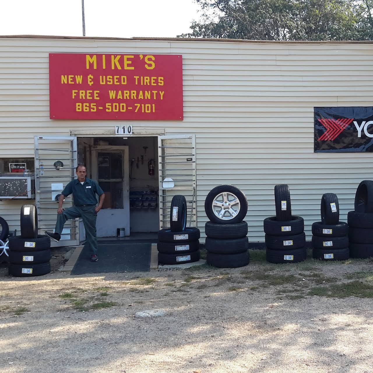 Tire Shops Open On Sunday >> Mikes Tires Tire Shop In Knoxville