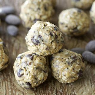 Almond Chocolate Chai Energy Bites