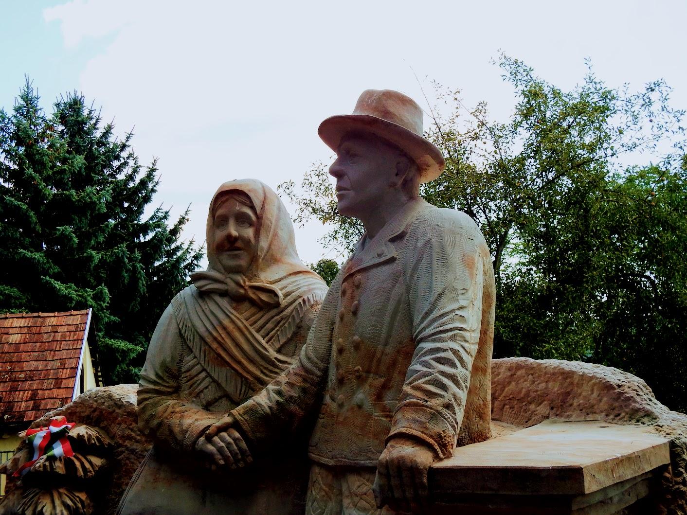 Berkenye - Őseink emlékére a templomkertben