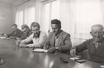Photo: EFSz vezetőségi gyűlés az irodaépületben, balról: id. Kustyán József, ??? (talán ifj. Bödők Géza) Mészáros Dezső, Fehérváry Sándor mérnök, Szüllő Gyula, Várady Pál.