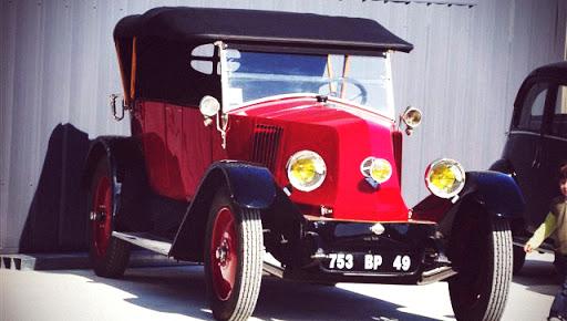 renault  kz véhicule ancien restauré