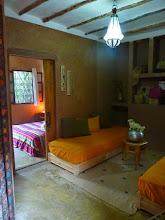 Photo: Suite Taupe & Ficelle n°1 (Coté salon au 1er plan avec chambre en enfilade)