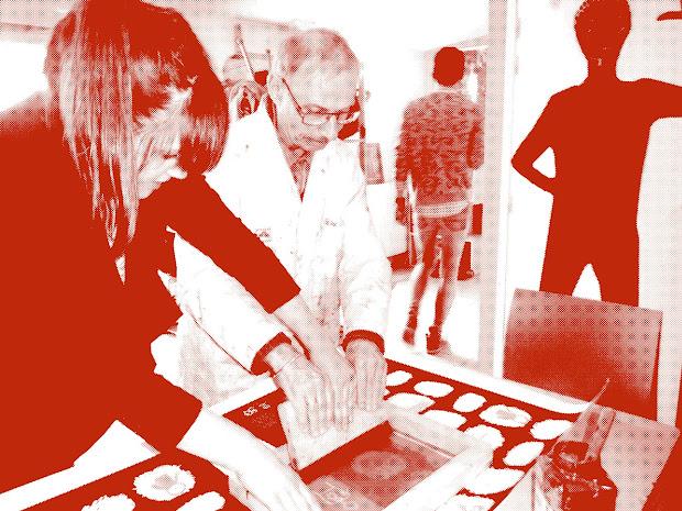 creation des personnes handicapees mentales de l'arche à reims avec des designers en vue du festival de la bd d'angoulême 2015