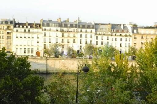 Seine view 2 Bedroom Apartment in Latin Quarter 110 m²