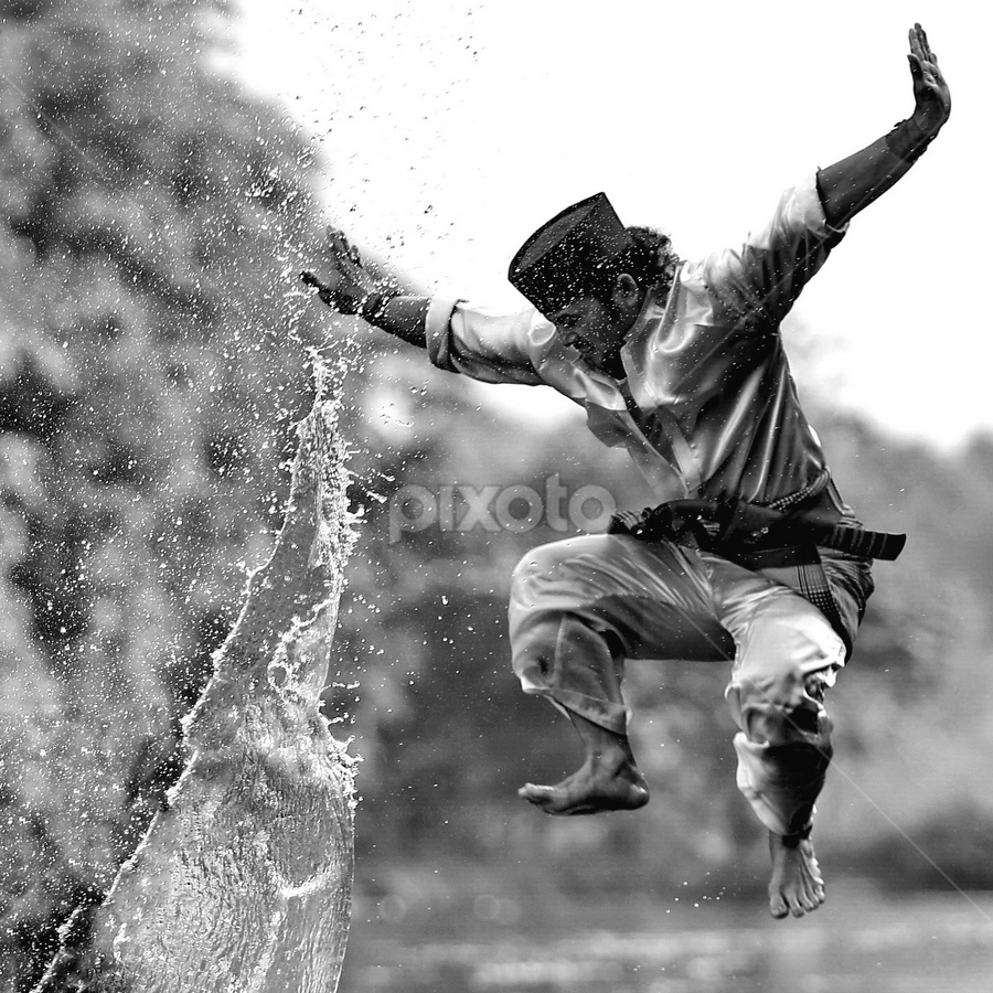 by DODY KUSUMA  - Black & White Street & Candid ( water, person, b&w, man )
