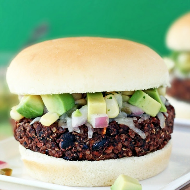 Black Bean & Sweet Potato Quinoa Burgers Recept | Yummly