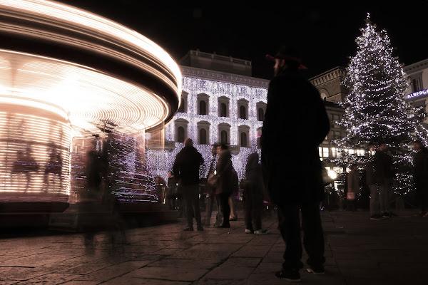 Ultim'ora: UFO trova parcheggio in Piazza della Repubblica di letiziacaprettiphotography