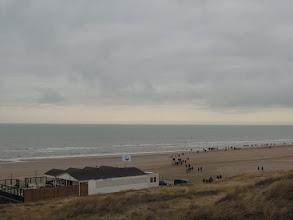 Photo: Hier gaan we het strand op.