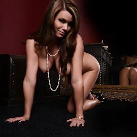 by Jenreesa Kazia - Nudes & Boudoir Boudoir ( boudoir, studio, classic, woman )