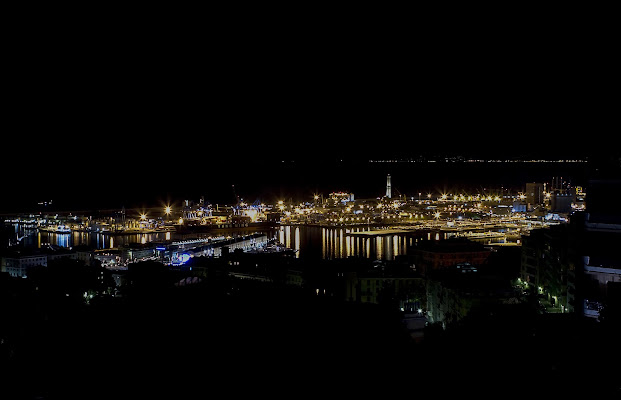 Genova by night di carlobaldino